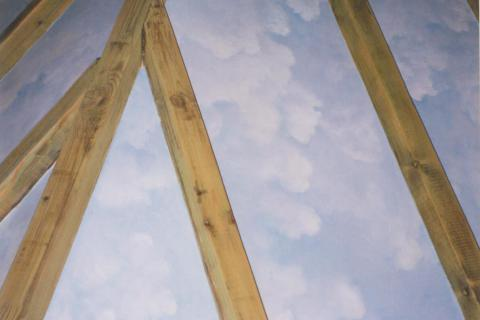 trompe l'oeil effect, blauwe hemel met wolken